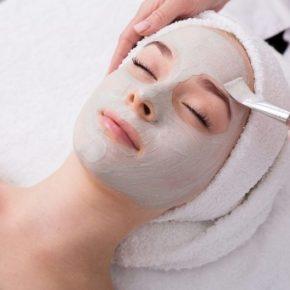 Ủ trắng da mặt tại spa cho hiệu quả cao